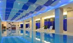 Варианты подсветки и освещения в бассейне
