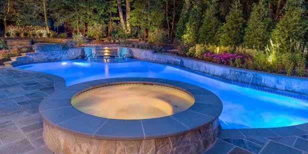 Освещение в бассейне