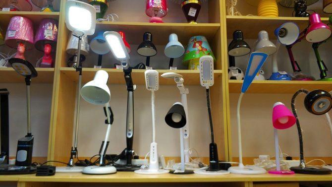 модели настольных ламп