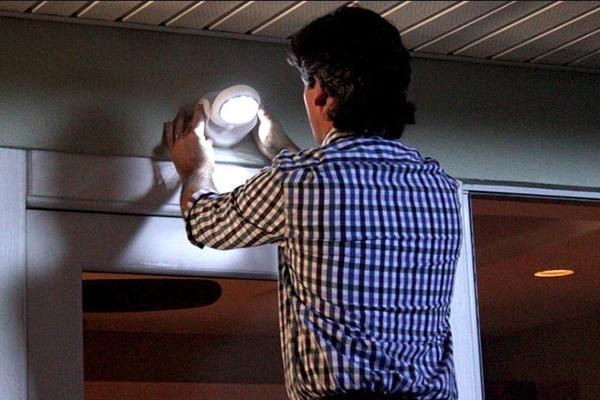 светильник с датчиком движения в подъезде