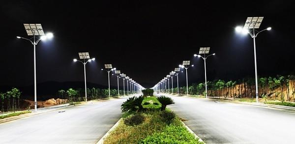 рименение таких фонарей кроме удобства дает и существенную экономию электроэнергии
