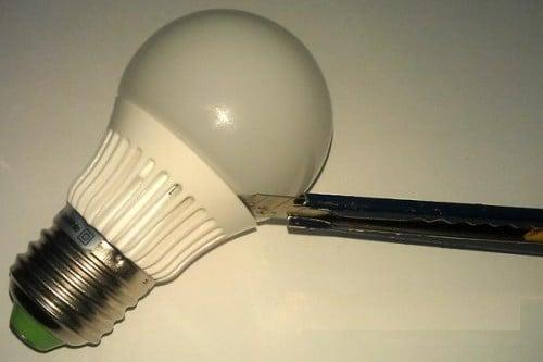 Разборка светодиодной лампочки