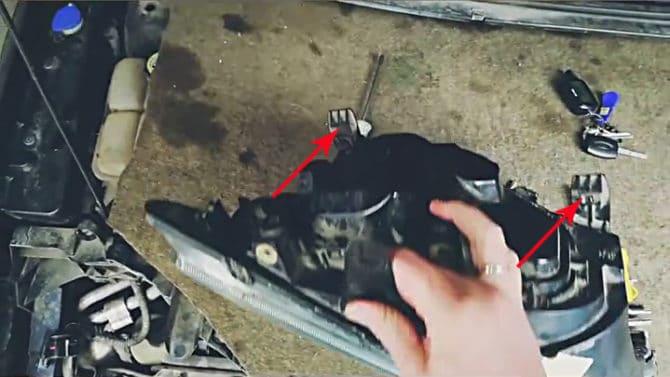 фиксаторы-защелки фонаре Форд Фокус 2