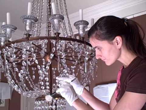 чистка хрустальной люстры