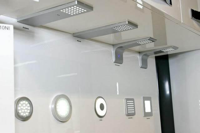 Встраиваемые и накладные сенсорные светильники